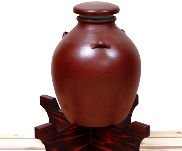 耳壺3升甕カメ(縄なし)木台蓋付き正面