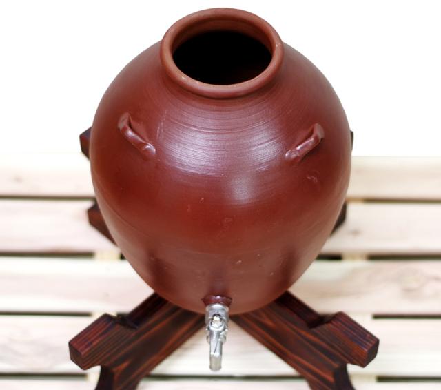 耳壺3升甕カメ(縄なし)サーバー、木台のせ、斜め上から開口部