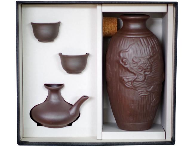陶器徳利、カラカラ、おちょこ、箱セット、ゴム栓付、箱入り真上から