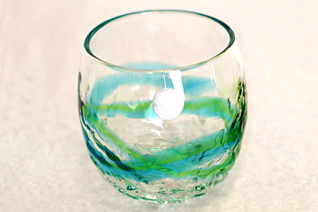 琉球ガラス、単品でこぼこ樽型、水緑、正面、1個