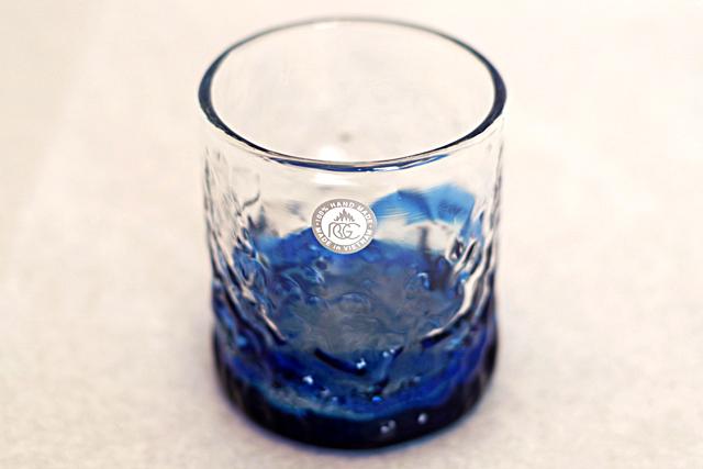 琉球ガラス、海でこぼこ単品、青、斜め上から、1個