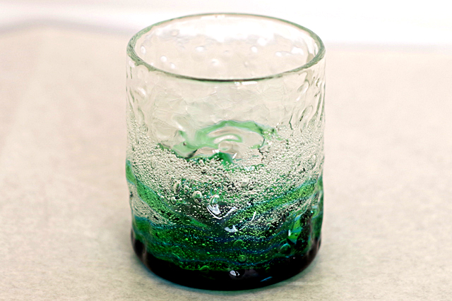 琉球ガラス、海でこぼこ単品、水緑、正面、1個