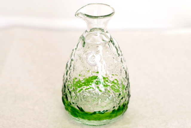 琉球ガラス、単品ティーダ徳利、緑、正面