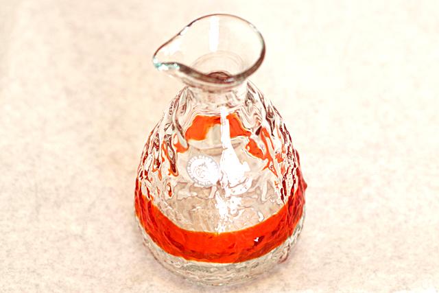 琉球ガラス、単品ティーダ徳利、オレンジ、斜め上から開口部
