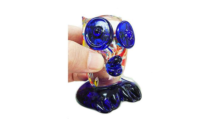手持ち<正規品>限定品。縁起の良い琉球ガラス製ふくろう(青色)3色用意(青色、水色、緑色)Made in OKINAWA 沖縄製品