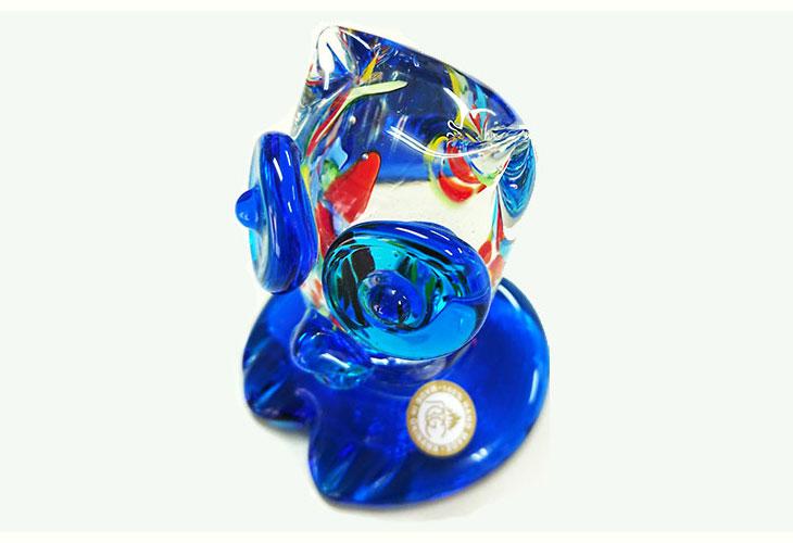 斜め。<正規品>限定品。縁起の良い琉球ガラス製ふくろう(水色)3色用意(青色、水色、緑色)Made in OKINAWA 沖縄製品
