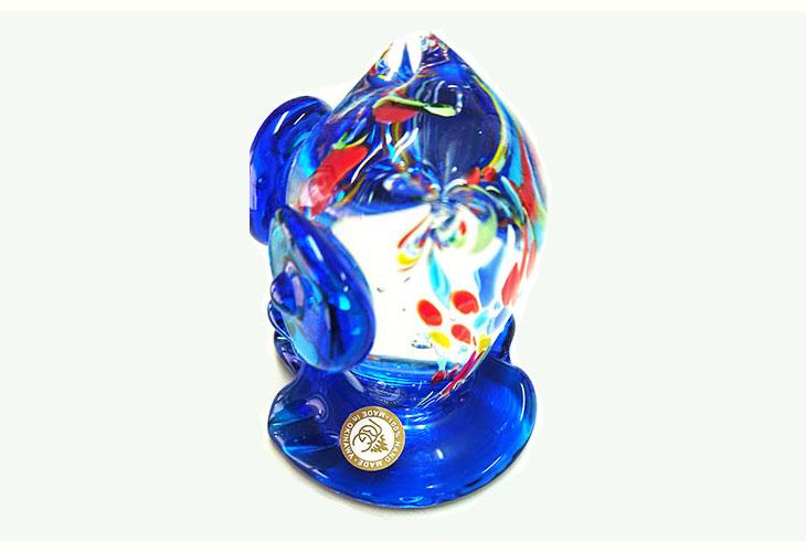 斜め後ろ。<正規品>限定品。縁起の良い琉球ガラス製ふくろう(水色)3色用意(青色、水色、緑色)Made in OKINAWA 沖縄製品