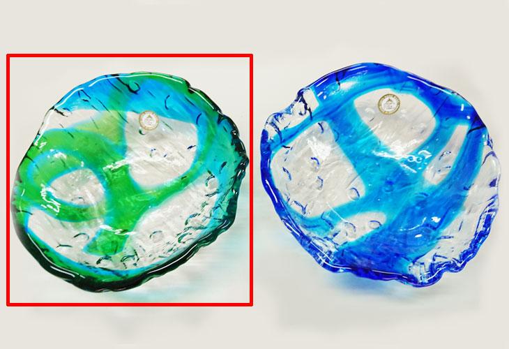 緑・青<正規品>透き通った色使いの琉球ガラス製の小皿(緑青色)。小鉢、鉢物、漬物、冷鉢など使いやすいサイズのものを2色用意(青色、緑青色)!Made in OKINAWA 沖縄製品
