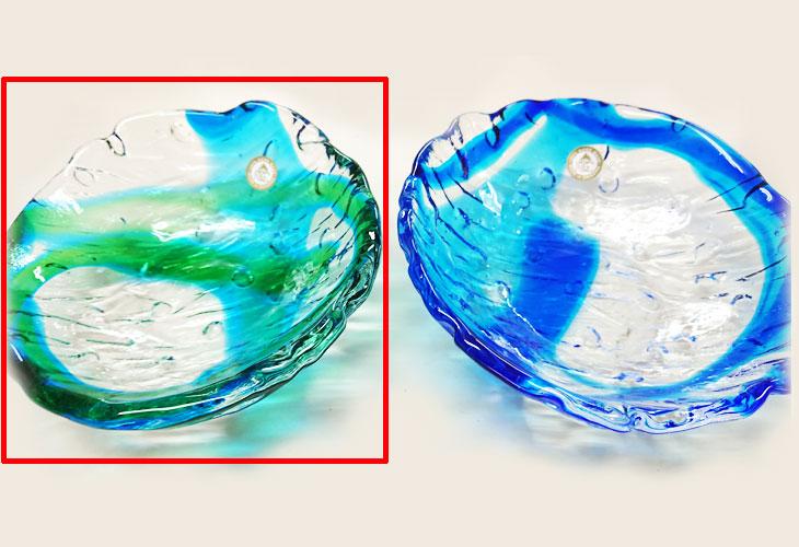 青・緑<正規品>透き通った色使いの琉球ガラス製の小皿(緑青色)。小鉢、鉢物、漬物、冷鉢など使いやすいサイズのものを2色用意(青色、緑青色)!Made in OKINAWA 沖縄製品