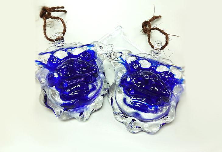 正面<正規品>限定品。縁起の良い琉球ガラス製シーサー(青色)4色用意(オレンジ、青色、水色、緑色)!Made in OKINAWA 沖縄製品