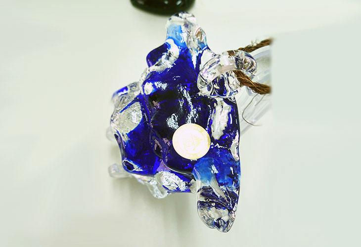 真上<正規品>限定品。縁起の良い琉球ガラス製シーサー(青色)4色用意(オレンジ、青色、水色、緑色)Made in OKINAWA 沖縄製品