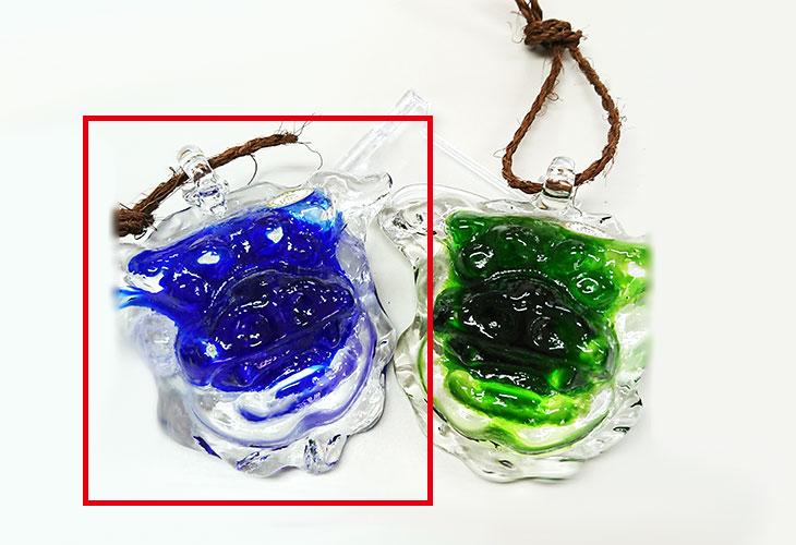 右左並び<正規品>限定品。縁起の良い琉球ガラス製シーサー(青色)4色用意(オレンジ、青色、水色、緑色)Made in OKINAWA 沖縄製品