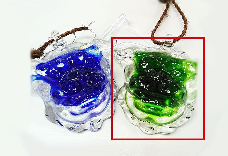 横並び<正規品>限定品。縁起の良い琉球ガラス製シーサー(緑色)4色用意(オレンジ、青色、水色、緑色)Made in OKINAWA 沖縄製品