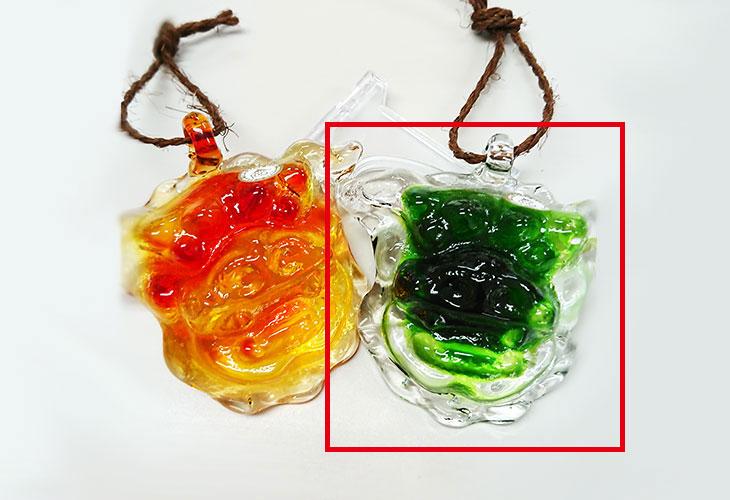 2つ並び<正規品>限定品。縁起の良い琉球ガラス製シーサー(緑色)4色用意(オレンジ、青色、水色、緑色)Made in OKINAWA 沖縄製品