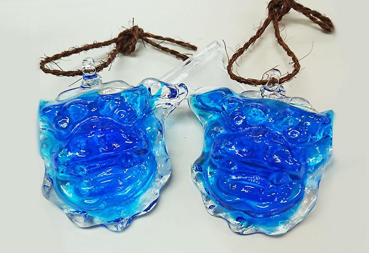 <正規品>限定品。縁起の良い琉球ガラス製シーサー(水色)4色用意(オレンジ、青色、水色、緑色)!Made in OKINAWA 沖縄製品