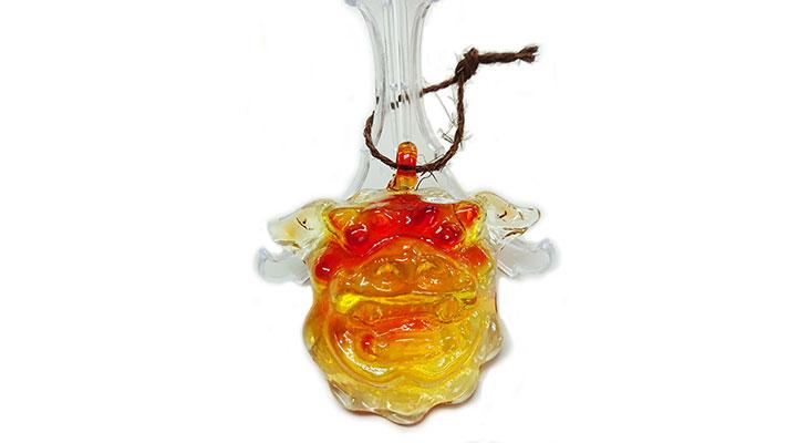 正面<正規品>限定品。縁起の良い琉球ガラス製シーサー(オレンジ)4色用意(オレンジ、青色、水色、緑色)Made in OKINAWA 沖縄製品