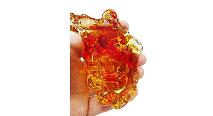 手持ち背面<正規品>限定品。縁起の良い琉球ガラス製シーサー(オレンジ)4色用意(オレンジ、青色、水色、緑色)Made in OKINAWA 沖縄製品
